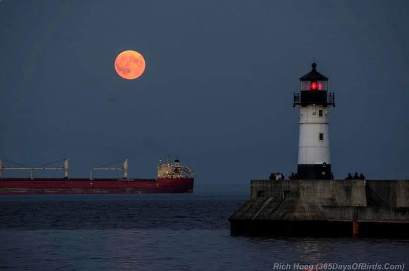 Supermoon over Lake Superior at Duluth, Minnesota