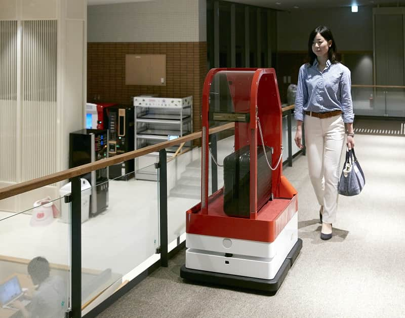 Japan hotels staffed with robot porters
