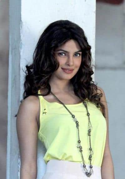 Priyanka promotes 'Teri Meri Kahaani' in 2004, Most Beautiful Celebrities