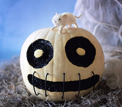 Skully Pumpkin in Stitches